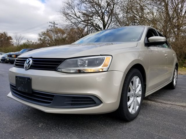 2012 Volkswagen Jetta SE w/Convenience & Sunroof PZEV | Champaign, Illinois | The Auto Mall of Champaign in Champaign Illinois