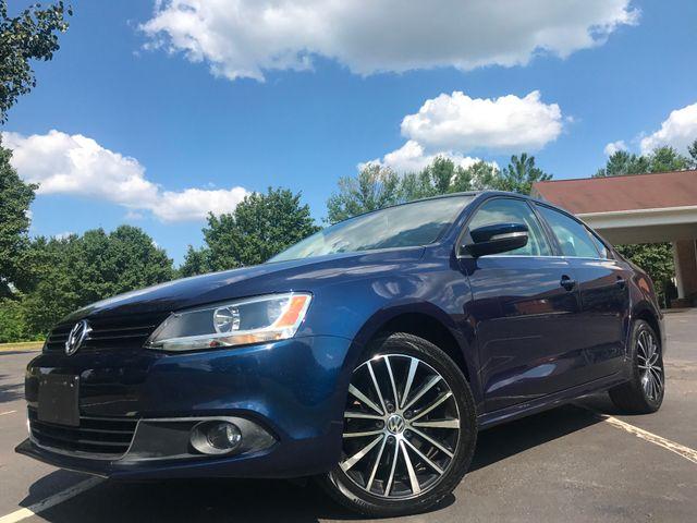 2012 Volkswagen Jetta SEL w/Premium &38; Sunroof PZEV in Leesburg Virginia, 20175