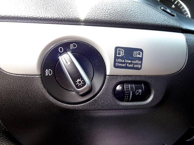 2012 Volkswagen Jetta TDI w/Premium & Nav Madison, NC 16