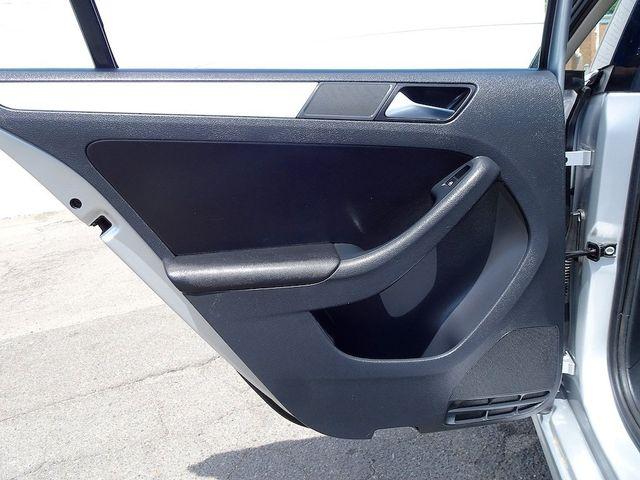 2012 Volkswagen Jetta TDI w/Premium & Nav Madison, NC 25
