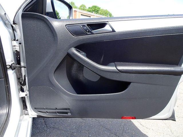 2012 Volkswagen Jetta TDI w/Premium & Nav Madison, NC 33