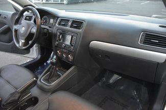 2012 Volkswagen Jetta SEL w/Sunroof PZEV Waterbury, Connecticut 19