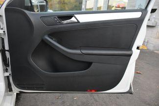 2012 Volkswagen Jetta SEL w/Sunroof PZEV Waterbury, Connecticut 20