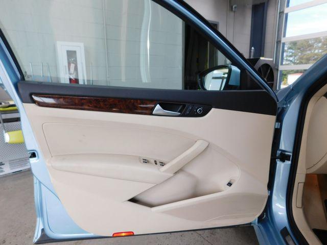 2012 Volkswagen Passat TDI SEL Premium in Airport Motor Mile ( Metro Knoxville ), TN 37777