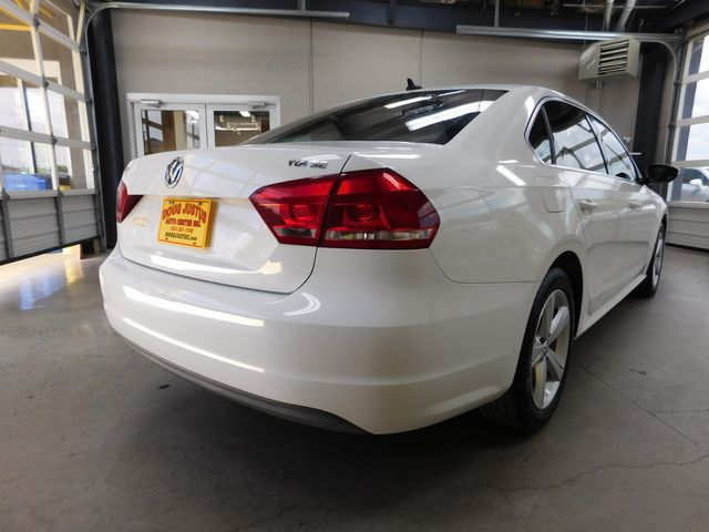 2012 Volkswagen Passat TDI SE w/Sunroof in Airport Motor Mile ( Metro Knoxville ), TN 37777