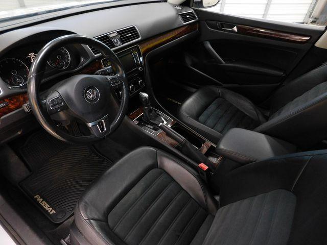2012 Volkswagen Passat SEL Premium PZEV in Airport Motor Mile ( Metro Knoxville ), TN 37777