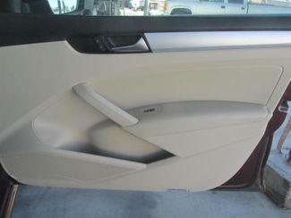 2012 Volkswagen Passat SE w/Sunroof & Nav PZEV Gardena, California 13
