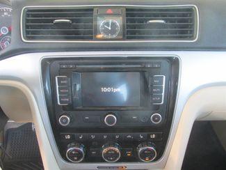 2012 Volkswagen Passat SE w/Sunroof & Nav PZEV Gardena, California 6