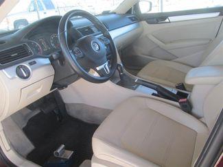 2012 Volkswagen Passat SE w/Sunroof & Nav PZEV Gardena, California 4