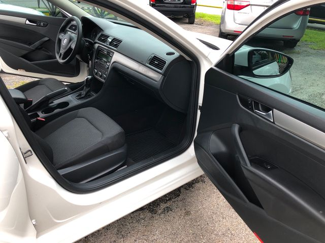 2012 Volkswagen Passat S w/Appearance HOUSTON, TX 9