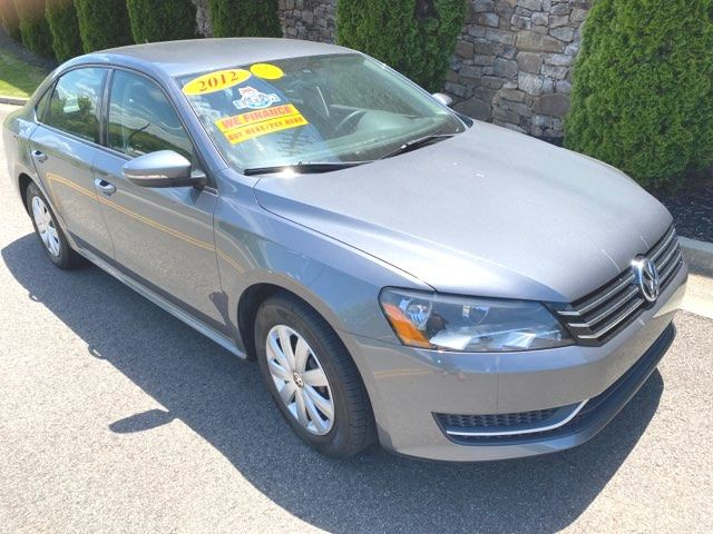2012 Volkswagen-2 Owners! Carfax Clean! Passat-MINT LOCAL TRADE S