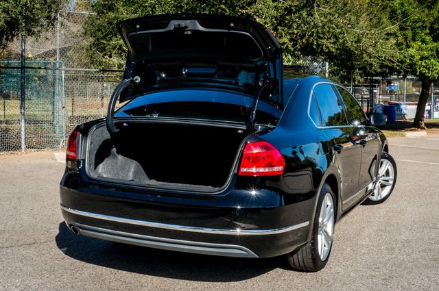 2012 Volkswagen Passat TDI SE w/Sunroof & Nav Reseda, CA 12