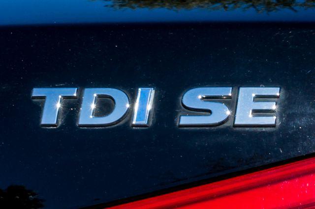 2012 Volkswagen Passat TDI SE w/Sunroof & Nav Reseda, CA 46