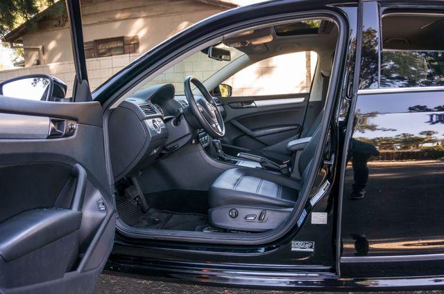 2012 Volkswagen Passat TDI SE w/Sunroof & Nav Reseda, CA 14