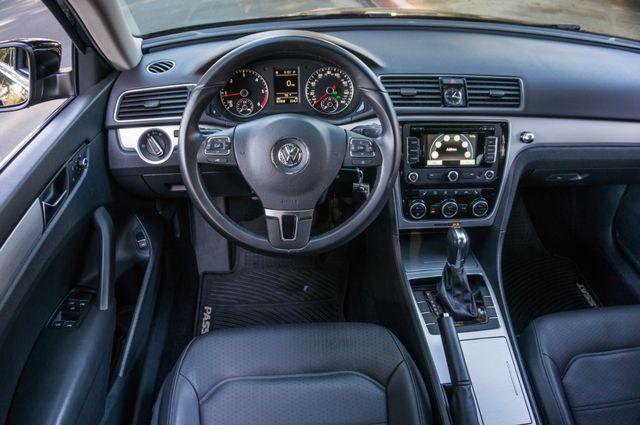 2012 Volkswagen Passat TDI SE w/Sunroof & Nav Reseda, CA 20