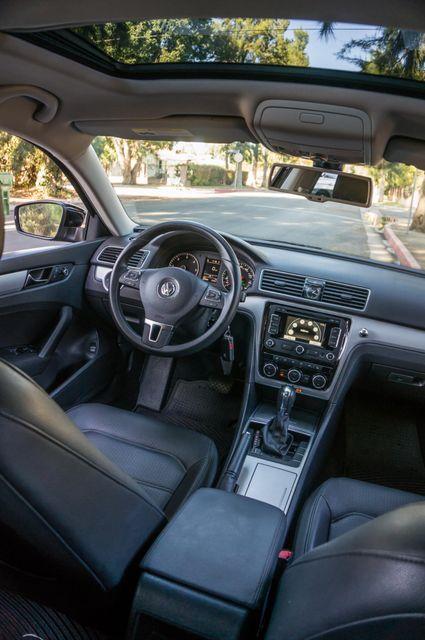 2012 Volkswagen Passat TDI SE w/Sunroof & Nav Reseda, CA 35
