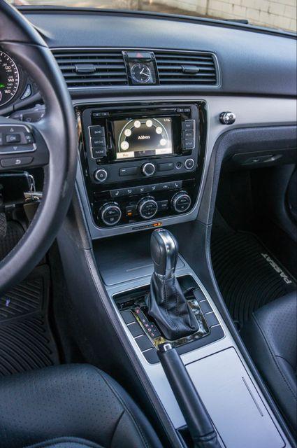 2012 Volkswagen Passat TDI SE w/Sunroof & Nav Reseda, CA 25