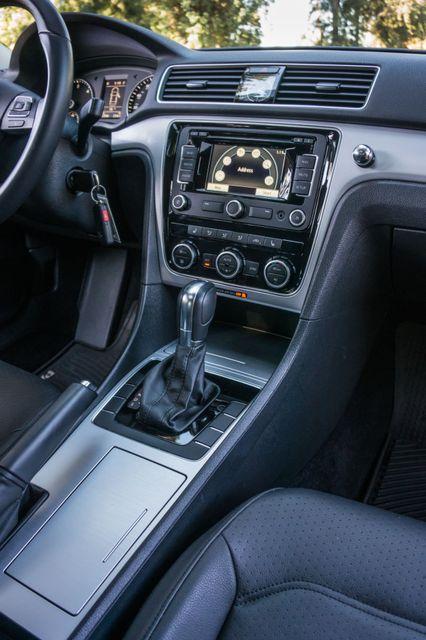 2012 Volkswagen Passat TDI SE w/Sunroof & Nav Reseda, CA 23