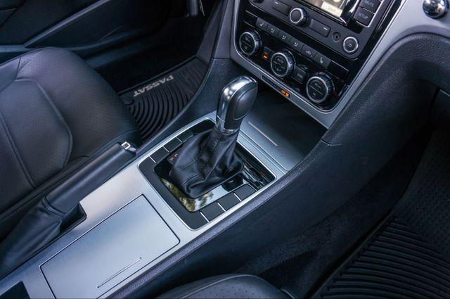 2012 Volkswagen Passat TDI SE w/Sunroof & Nav Reseda, CA 27