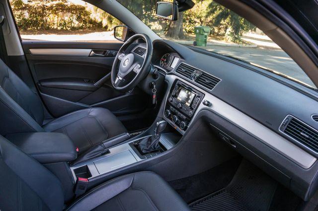 2012 Volkswagen Passat TDI SE w/Sunroof & Nav Reseda, CA 33