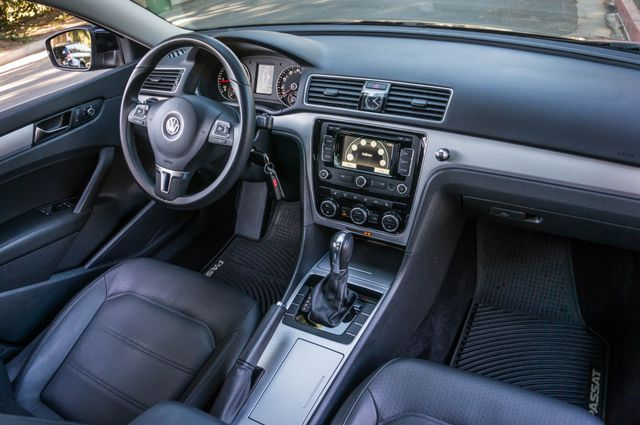 2012 Volkswagen Passat TDI SE w/Sunroof & Nav Reseda, CA 34