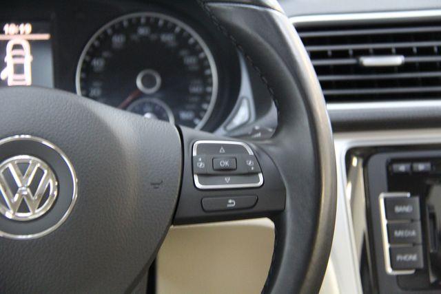 2012 Volkswagen Passat TDI SE w/Sunroof & Nav Richmond, Virginia 9