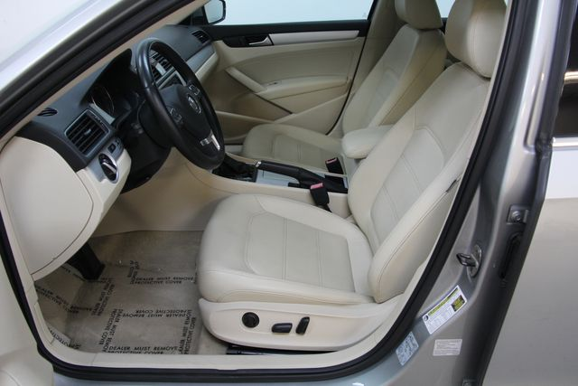 2012 Volkswagen Passat TDI SE w/Sunroof & Nav Richmond, Virginia 14