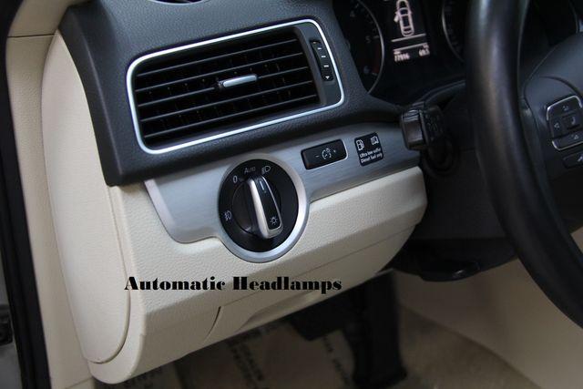 2012 Volkswagen Passat TDI SE w/Sunroof & Nav Richmond, Virginia 10