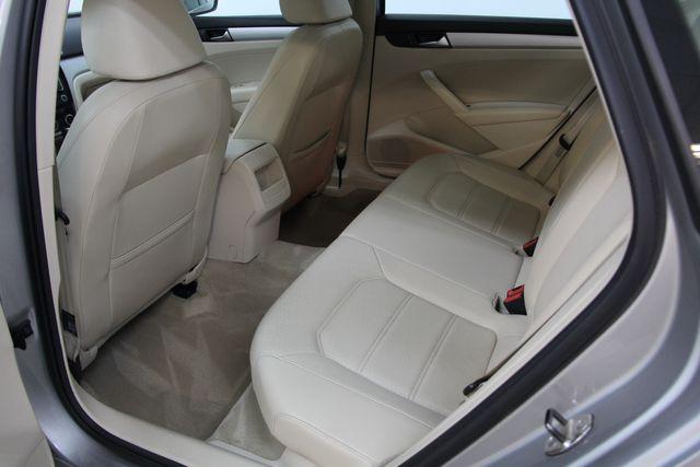 2012 Volkswagen Passat TDI SE w/Sunroof & Nav Richmond, Virginia 21