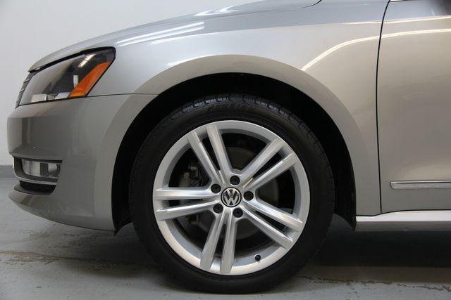 2012 Volkswagen Passat TDI SE w/Sunroof & Nav Richmond, Virginia 30