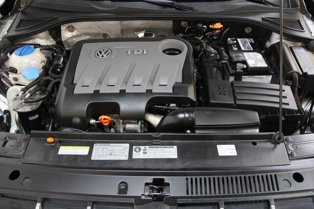 2012 Volkswagen Passat TDI SE w/Sunroof & Nav Richmond, Virginia 32