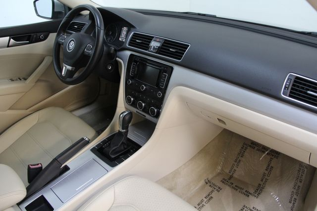 2012 Volkswagen Passat TDI SE w/Sunroof & Nav Richmond, Virginia 18