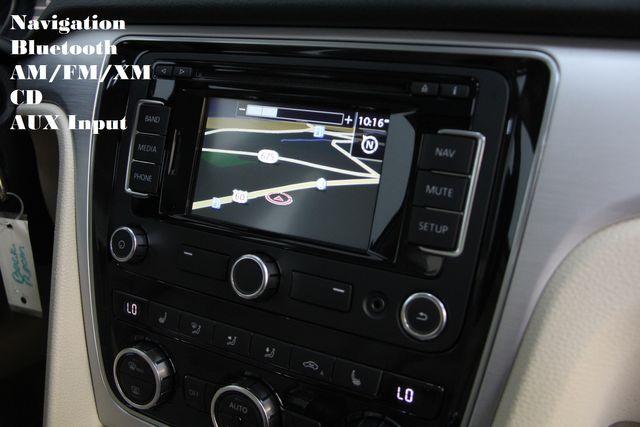 2012 Volkswagen Passat TDI SE w/Sunroof & Nav Richmond, Virginia 4