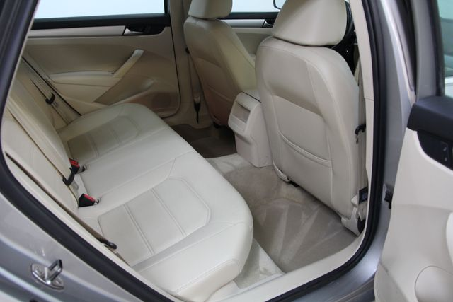 2012 Volkswagen Passat TDI SE w/Sunroof & Nav Richmond, Virginia 23