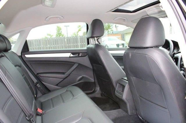 2012 Volkswagen Passat TDI SE w/Sunroof & Nav St. Louis, Missouri 10