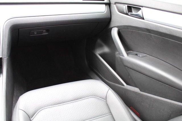 2012 Volkswagen Passat TDI SE w/Sunroof & Nav St. Louis, Missouri 9