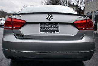 2012 Volkswagen Passat TDI SE w/Sunroof & Nav Waterbury, Connecticut 1