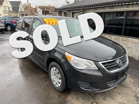 2012 Volkswagen Routan S in , Wisconsin