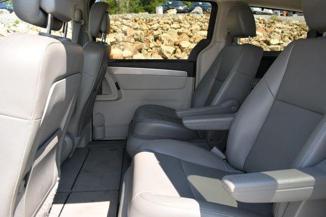 2012 Volkswagen Routan SE Naugatuck, Connecticut 14