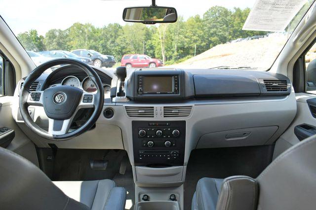 2012 Volkswagen Routan SE Naugatuck, Connecticut 15
