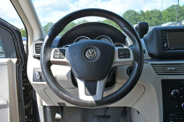 2012 Volkswagen Routan SE Naugatuck, Connecticut 19