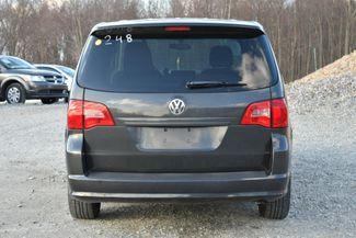 2012 Volkswagen Routan S Naugatuck, Connecticut 3