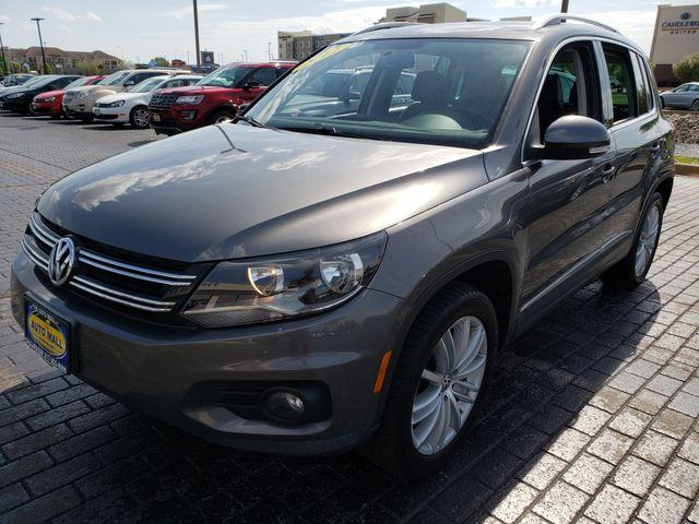 2012 Volkswagen Tiguan SE | Champaign, Illinois | The Auto Mall of Champaign in Champaign Illinois
