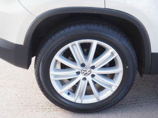 2012 Volkswagen Tiguan SE w/Sunroof & Nav Englewood, CO 4
