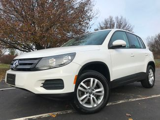 2012 Volkswagen Tiguan ALL WHEEL DRIVE S w/Sunroof in Leesburg, Virginia 20175