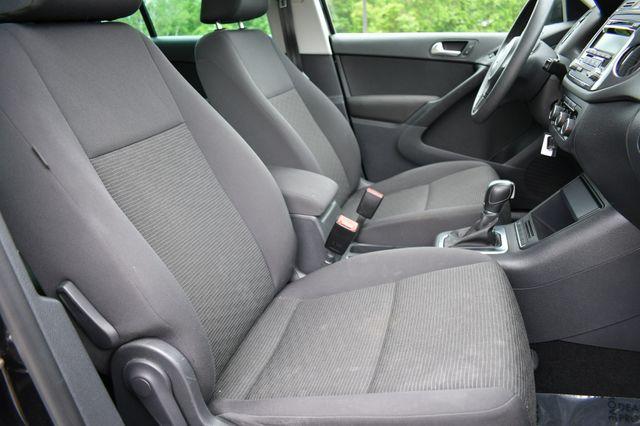 2012 Volkswagen Tiguan S w/Sunroof Naugatuck, Connecticut 10