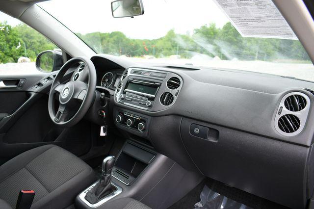 2012 Volkswagen Tiguan S w/Sunroof Naugatuck, Connecticut 11