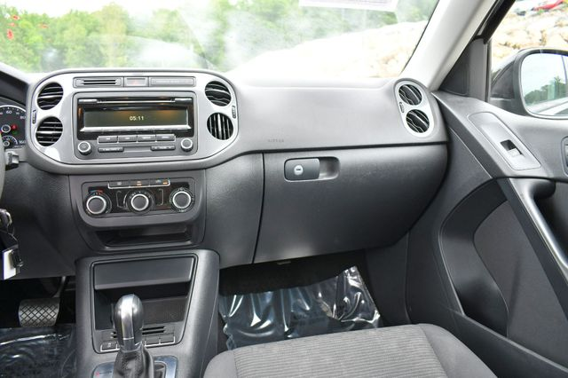 2012 Volkswagen Tiguan S w/Sunroof Naugatuck, Connecticut 20