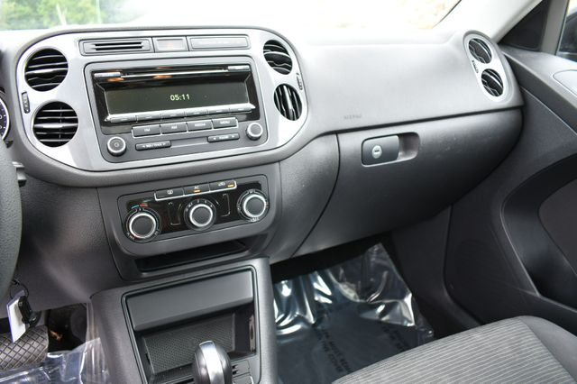 2012 Volkswagen Tiguan S w/Sunroof Naugatuck, Connecticut 23