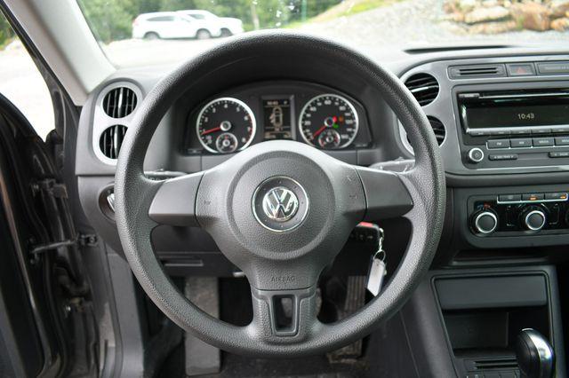 2012 Volkswagen Tiguan S w/Sunroof 4WD Naugatuck, Connecticut 4